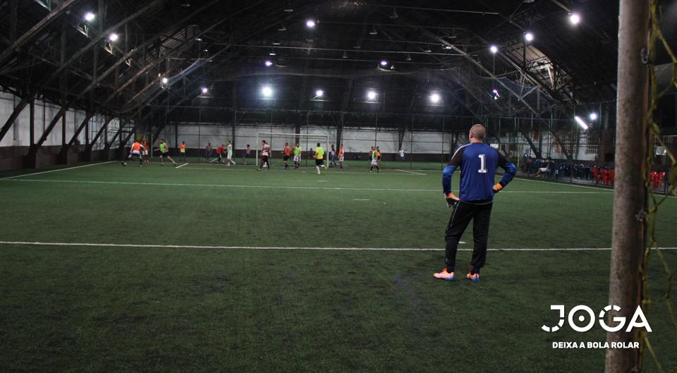 Não gosta de frio nem chuva  Conheça 5 opções de quadras de Futebol ... b92365707a1cd